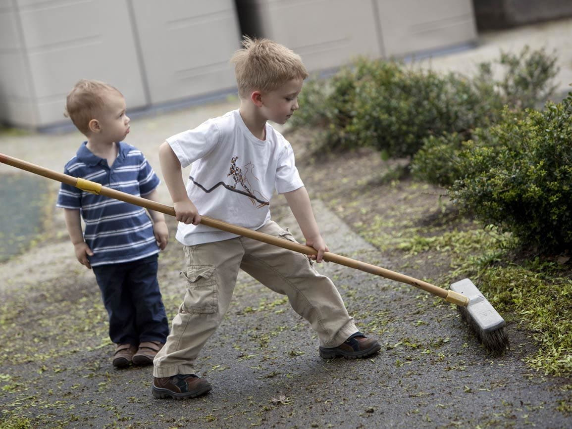 Chores: How to Involve Children | Bright Horizons®
